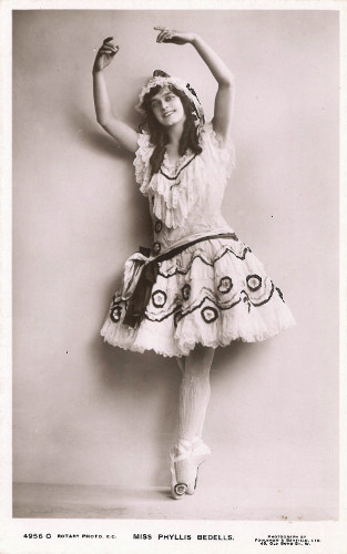Photo of Phyllis Bedells c. 1911.