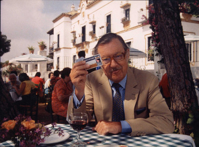 Photo of Alan Whicker.