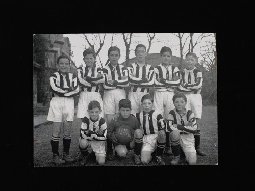 Football team, Hull colony