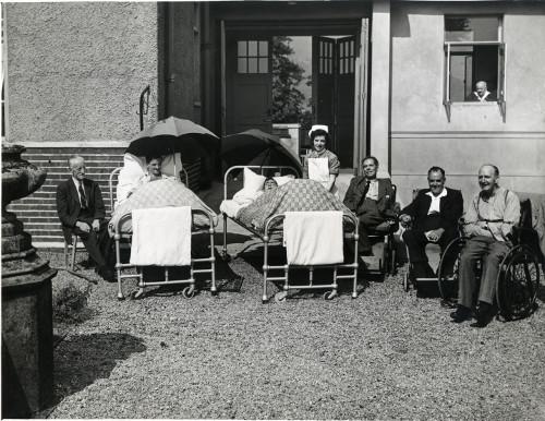 Patients in sunshine