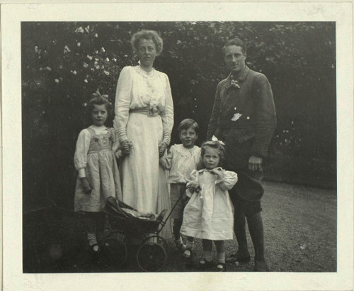 The Trevelyan family, 1910 (CPT/PA/5)