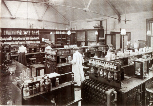 Chemistry lab at York Place, c.1900
