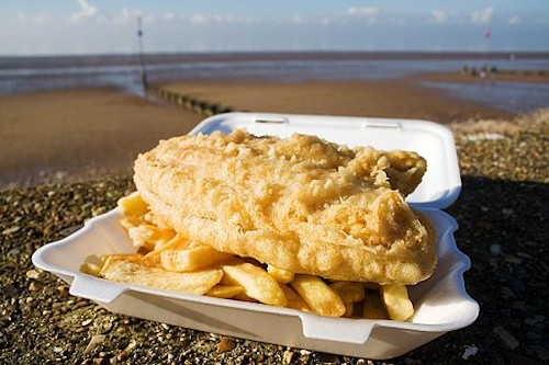 Fish and chips on the seafront at Hunstanton, Norfolk UK (in this instance the fish is deep fried plaice). © Andrew Dunn, http://www.andrewdunnphoto.com/. Creative license https://creativecommons.org/licenses/by-sa/2.0/deed.en.